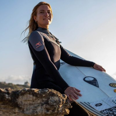 """""""I love the GURU wetsuit. It's really flex, perfect to surf with."""""""